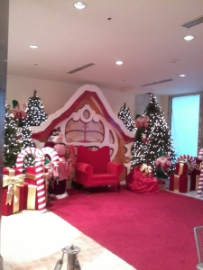 Another Trini Mall pic! -Beautiful Santa's corner!