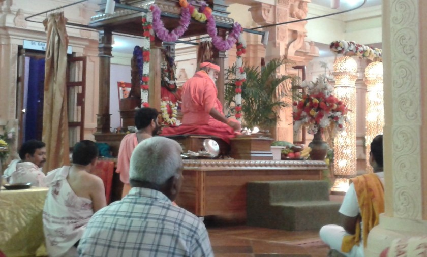 appaji-doing-puja2